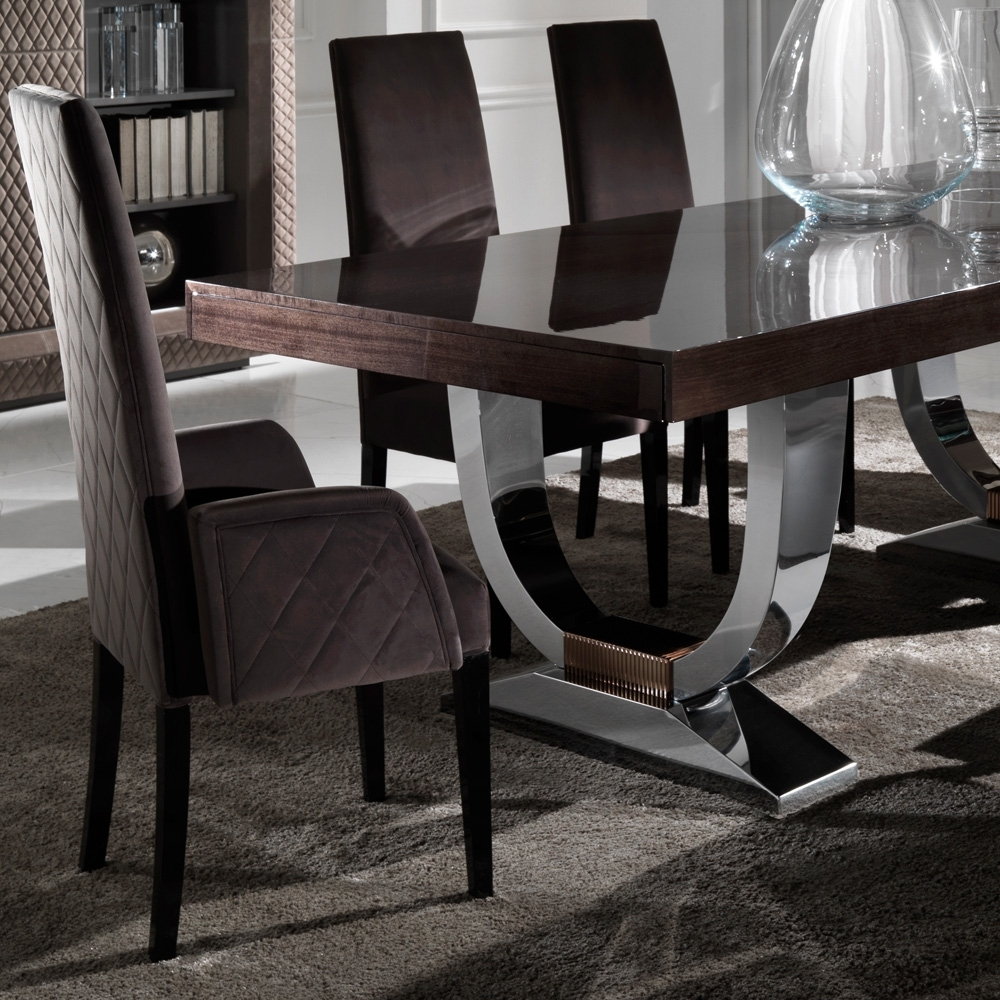 Extending Dining Table Sets Throughout Fashionable Large Modern Italian Veneered Extendable Dining Table (Gallery 1 of 25)