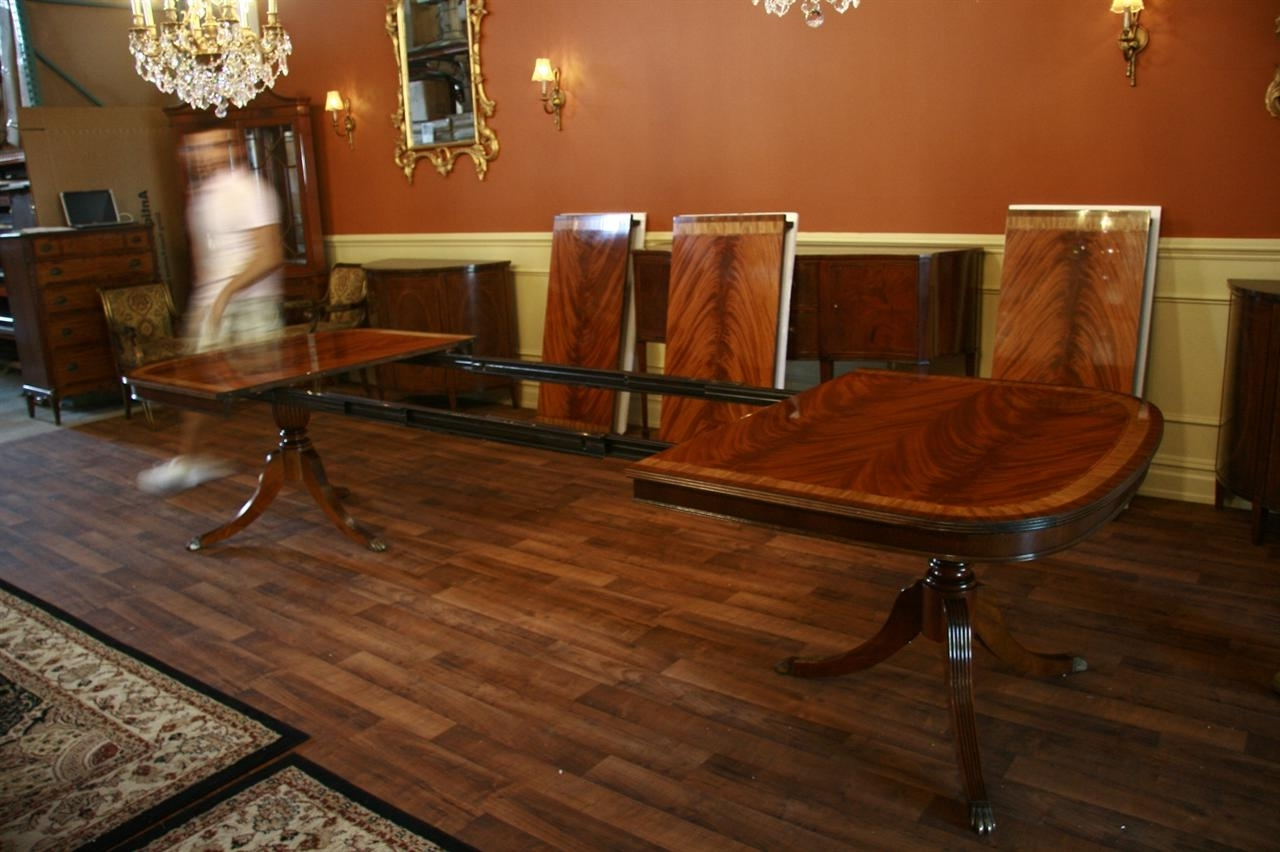 Extending Dining Tables With 14 Seats Within Recent Large High End Mahogany Dining Table Seats 12  (View 7 of 25)