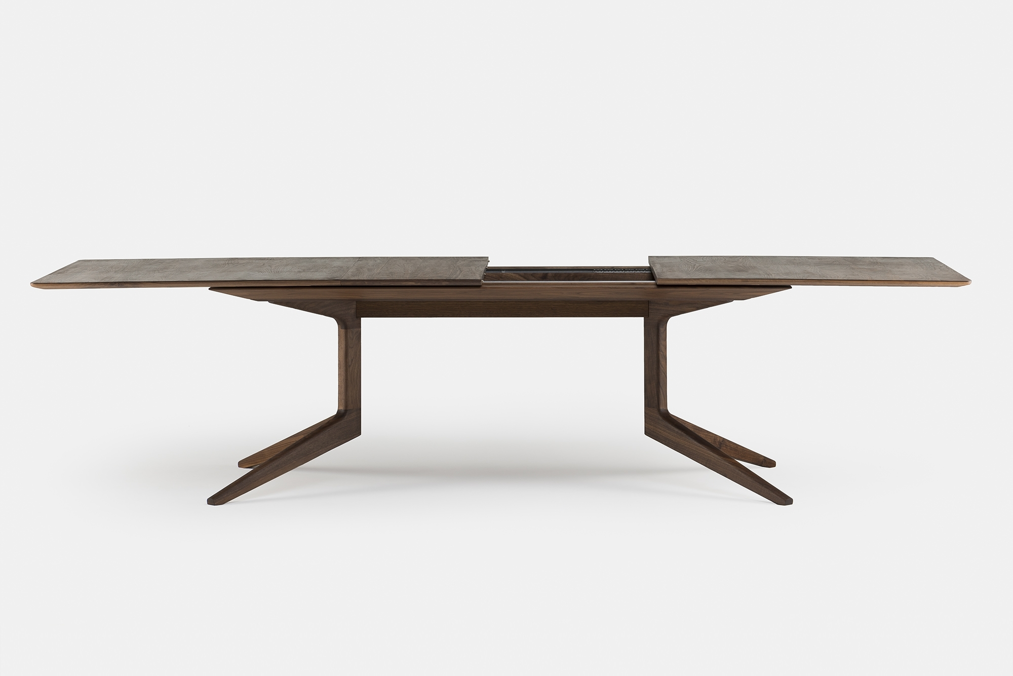 Extending Outdoor Dining Tables With Regard To Widely Used Viewing Matthew Hilton 341E Light Extending Table Product (Gallery 13 of 25)