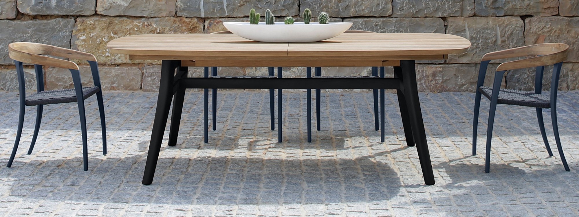Famous Luxury Outdoor Dining Tables & Chairs. Modern Design + Premium Quality (View 9 of 25)