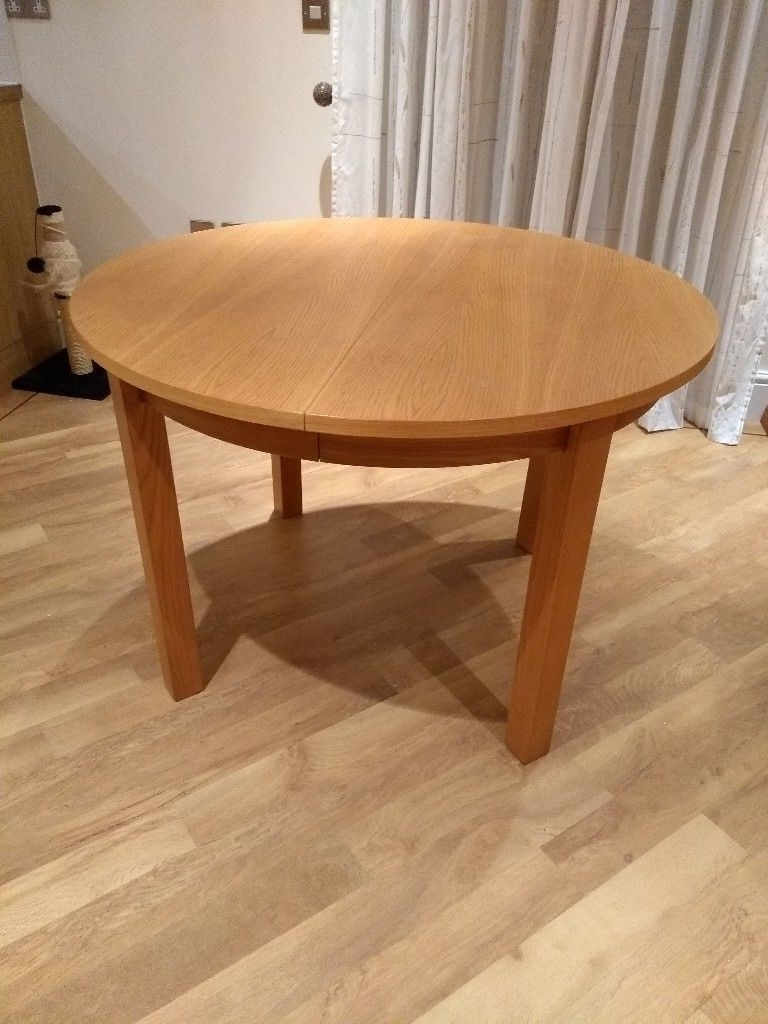 Fashionable Circular Oak Dining Tables Throughout Circular/oval Extendable Light Oak Dining Table (View 17 of 25)