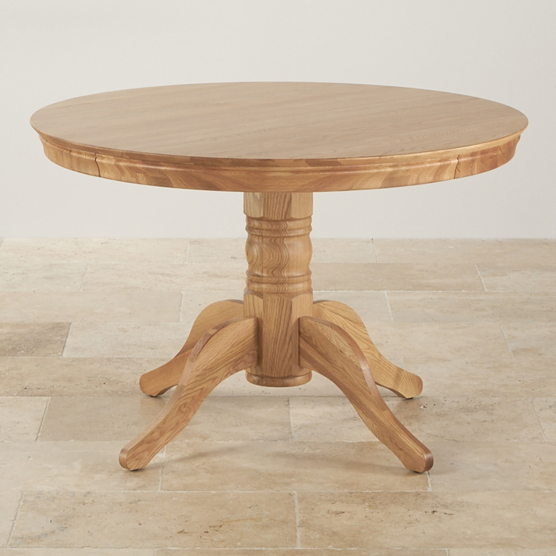 Fashionable Circular Oak Dining Tables With Regard To Qualities Of Oak Dining Tables – Home Decor Ideas (View 16 of 25)