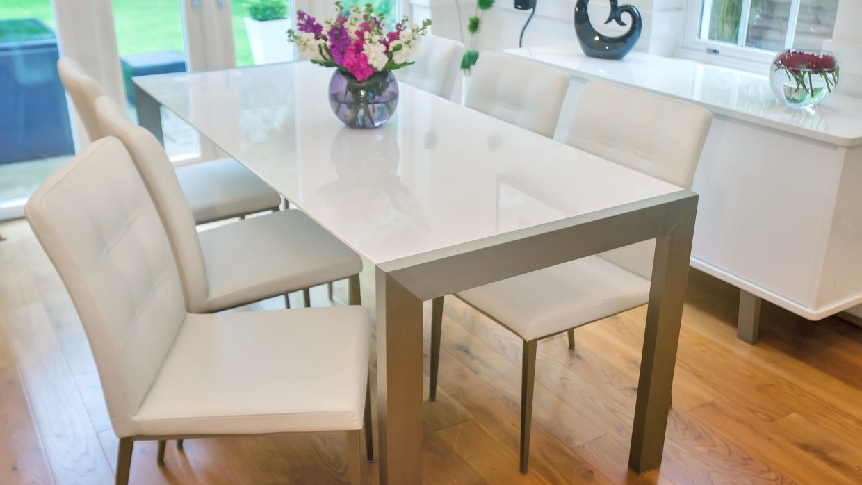 Fashionable Dining: 8 Seater Dining Sets For 8 Seater White Dining Tables (View 2 of 25)