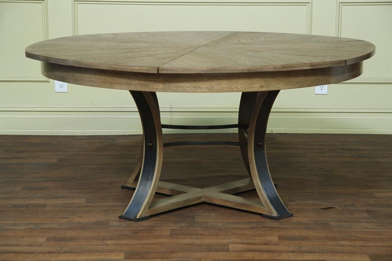 Fashionable Oval Reclaimed Wood Dining Tables In Rustic Oval Dining Table (View 4 of 25)