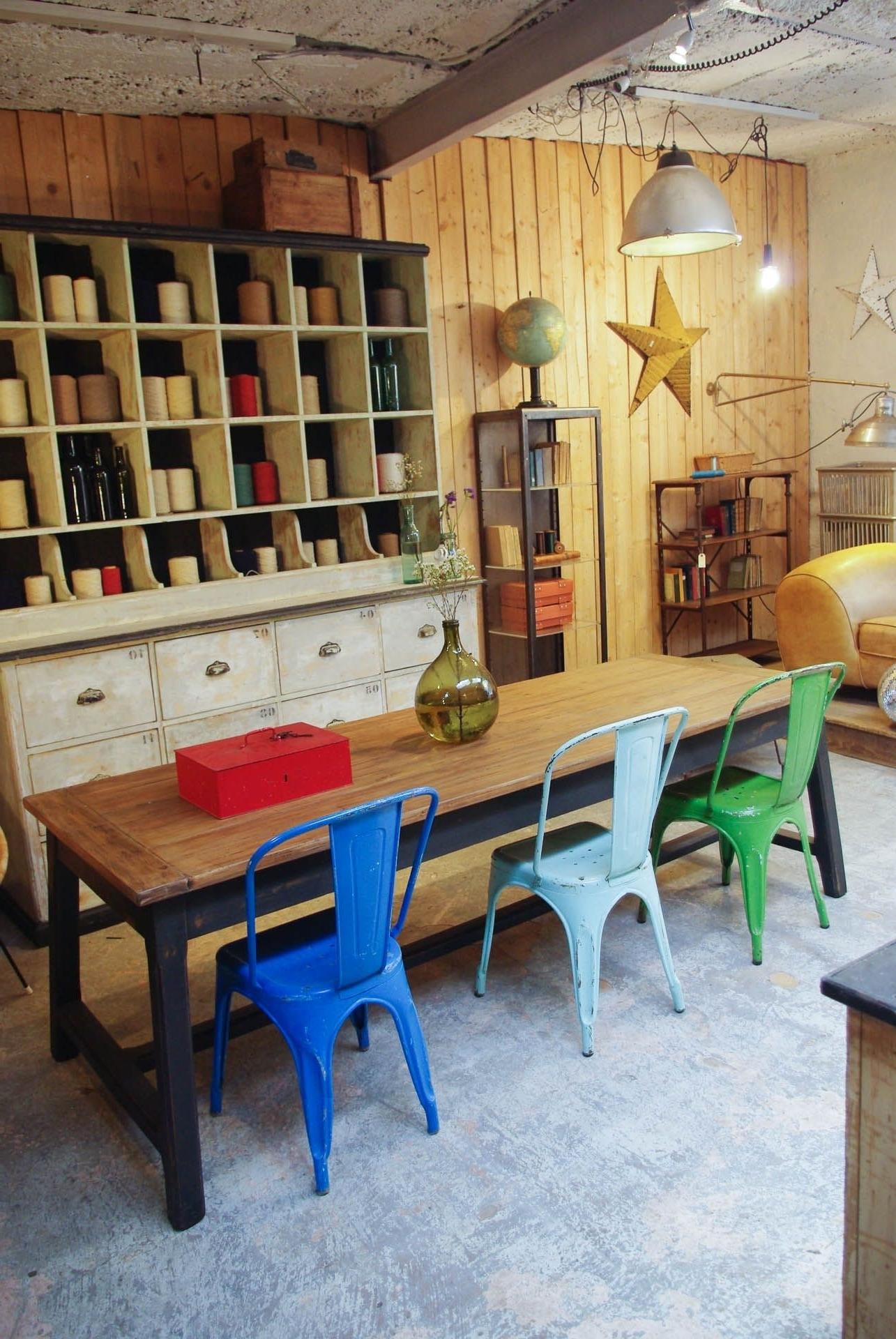 Favorite Bale 7 Piece Dining Sets With Dom Side Chairs Pertaining To Ancienne Table De Ferme En Bois Par Le Marchand D'oublis (View 24 of 25)