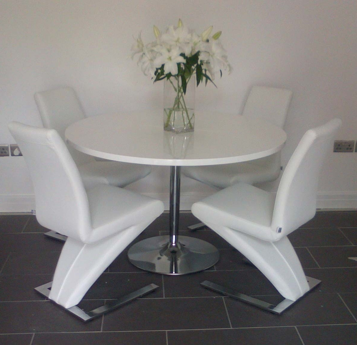 Favorite Cream Gloss Dining Tables And Chairs Within Becky Round White High Gloss Dining Table 120Cm (Discontinued (View 11 of 25)