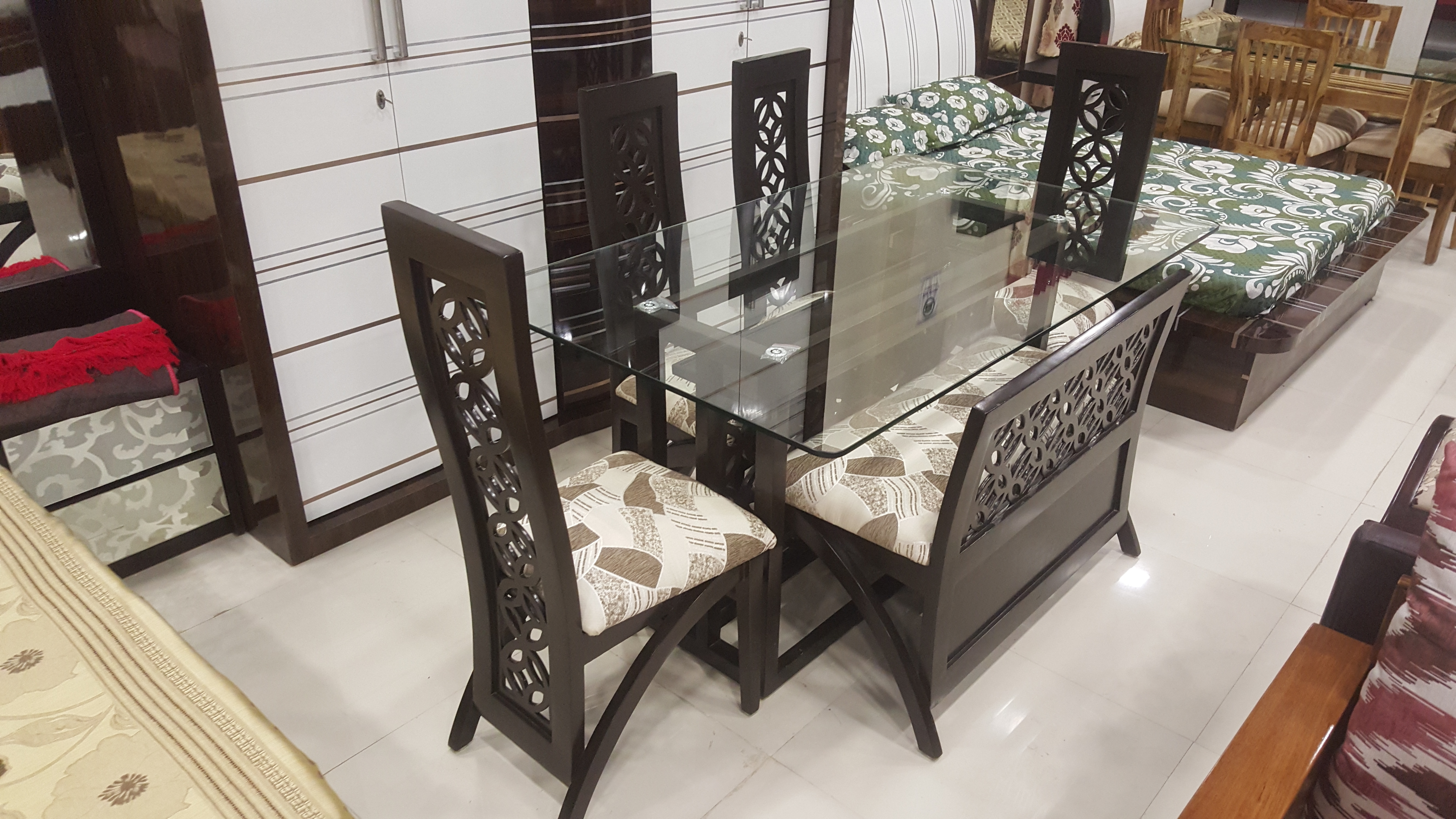 Favorite Glass 6 Seater Dining Tables For Brunch 6 Seater Dining Set + Bench With Glass Top (View 12 of 25)