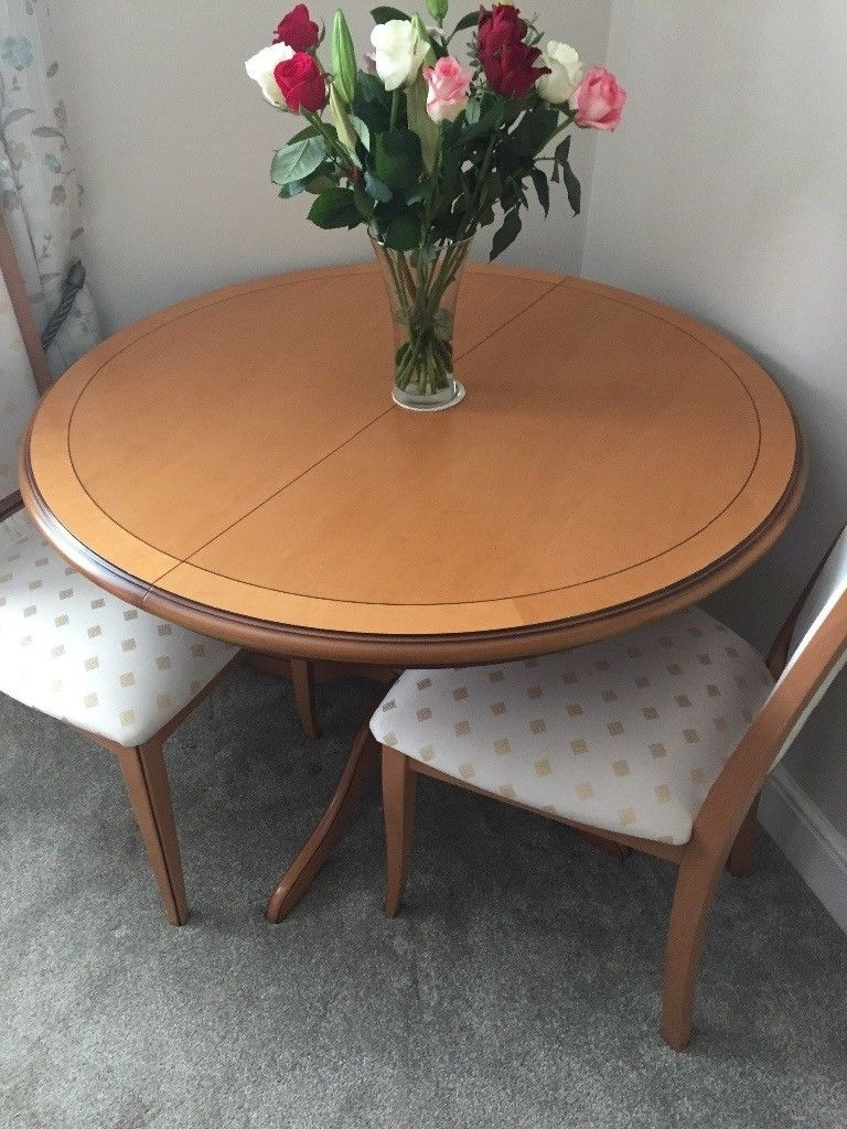Favorite Round Oak Dining Tables And 4 Chairs For Lovely Round Oak Dining Table And 4 Chairs (View 11 of 25)