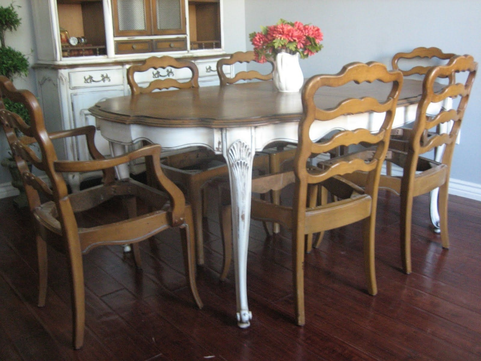 French Chic Dining Tables Within Popular European Paint Finishes: French Provincial Dining Set ~ (View 12 of 25)