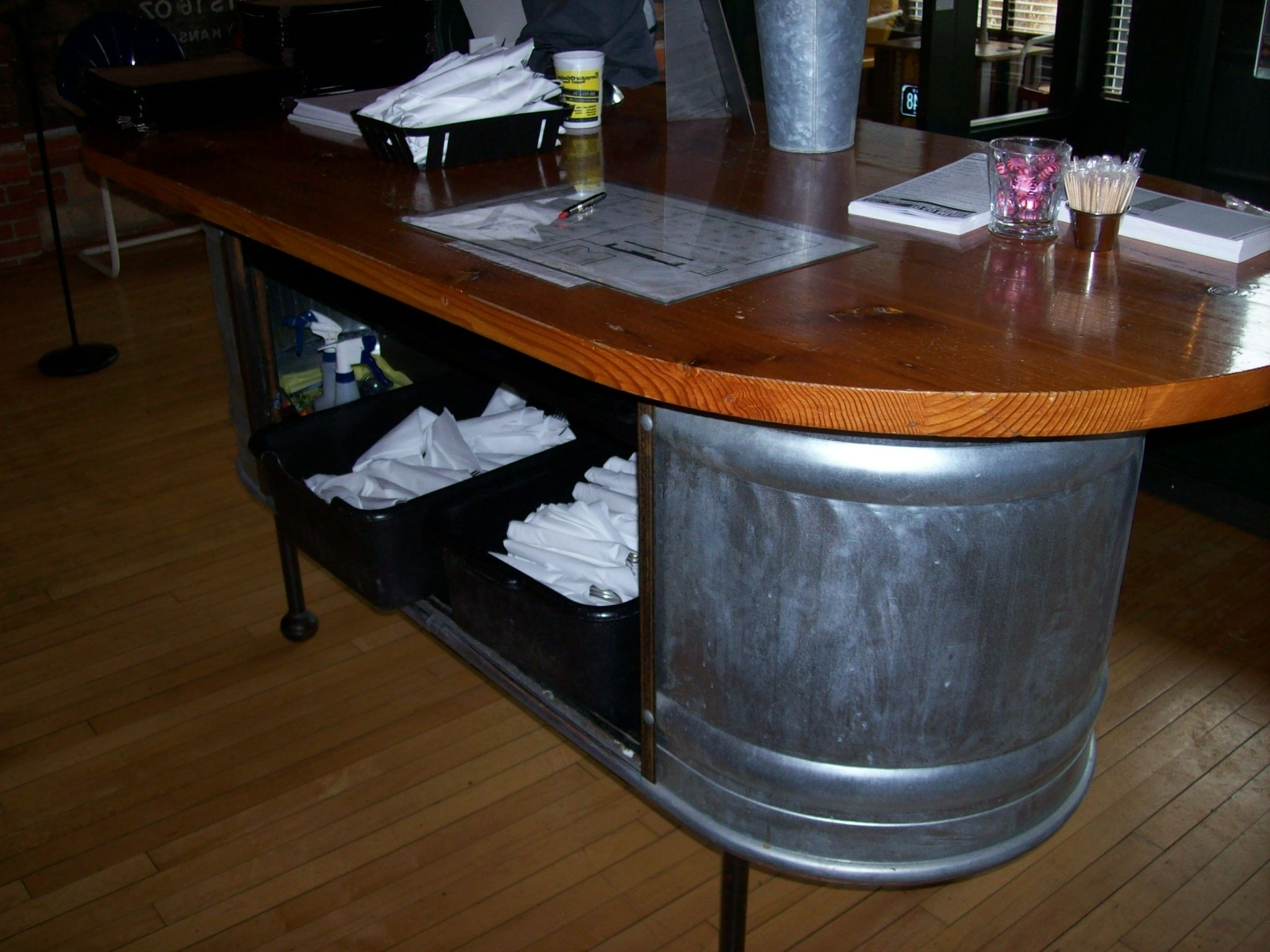 Great Way To Create A Hostess Station Or Check Out Area