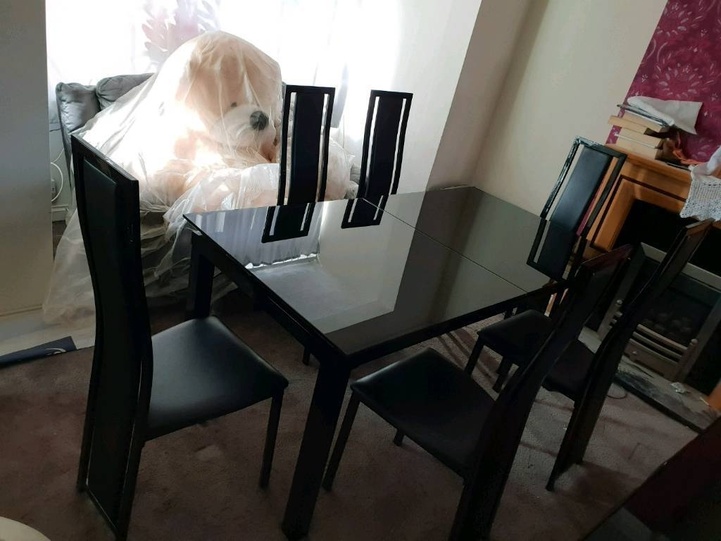 Harveys Black Glass And Gloss Extendable Dining Table Set (View 10 of 25)