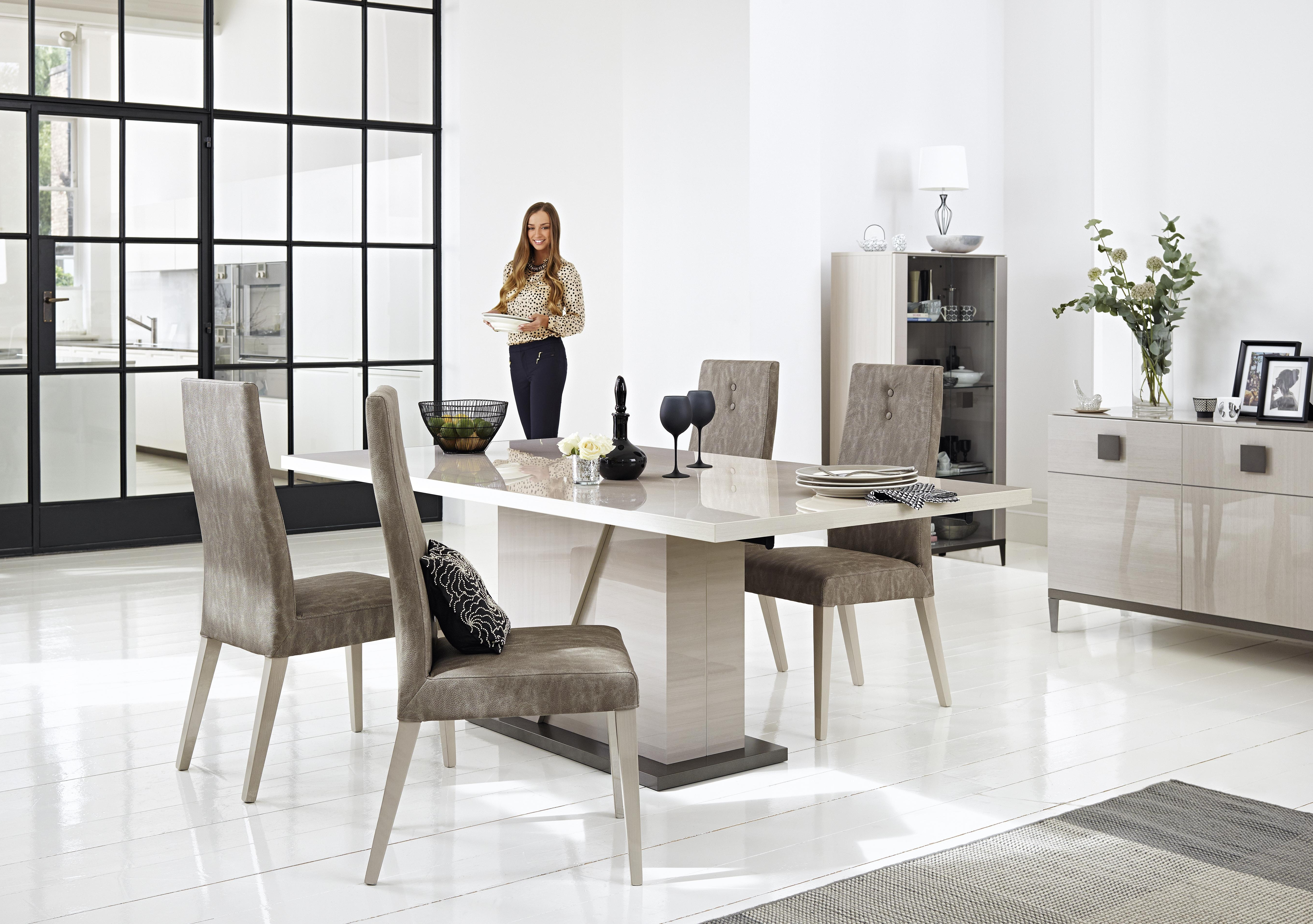 How To Style Your Dining Table For A Lavish Dinner Party – La Belle In Well Known Extending Marble Dining Tables (Gallery 3 of 25)