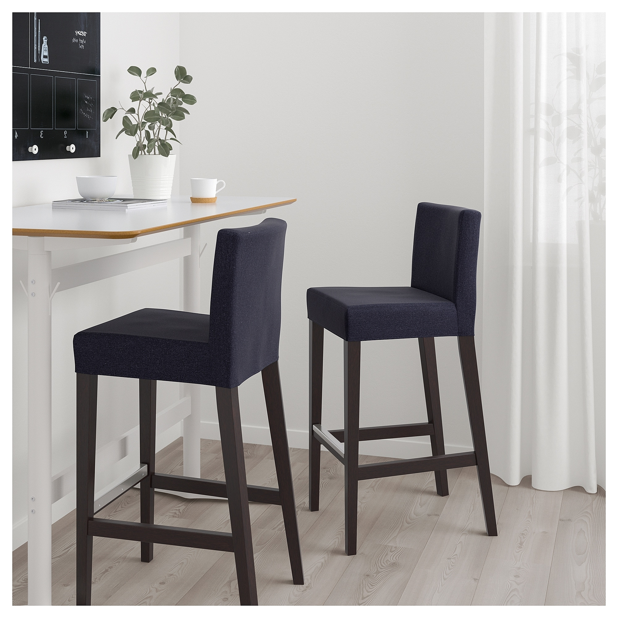 Jaxon Grey 5 Piece Extension Counter Sets With Fabric Stools Pertaining To Most Up To Date Global Furniture Bar Table Black (Gallery 11 of 25)