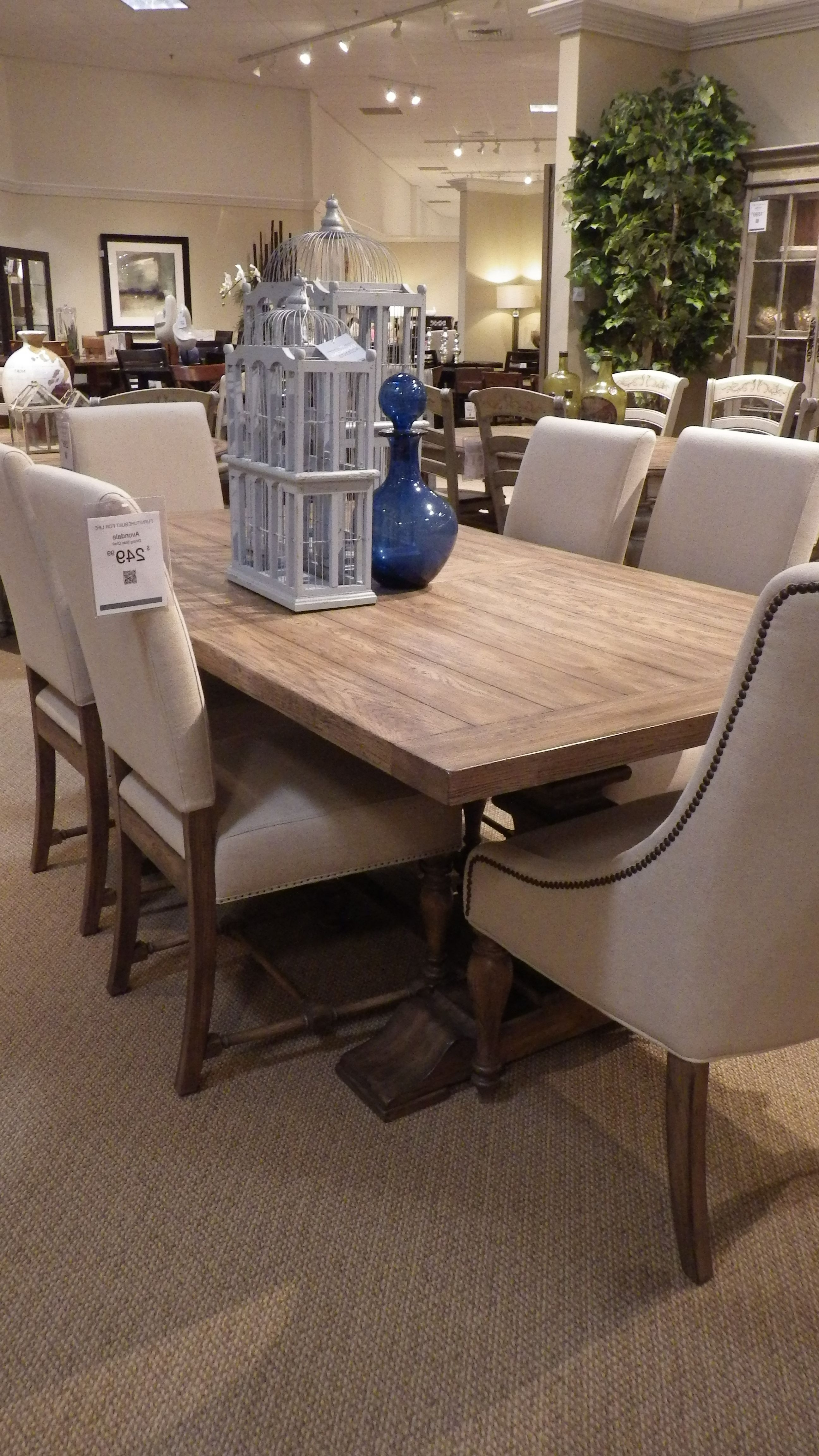 """Lassen 5 Piece Round Dining Sets Within Fashionable Havertys Avondale Table 78""""long  (View 12 of 25)"""
