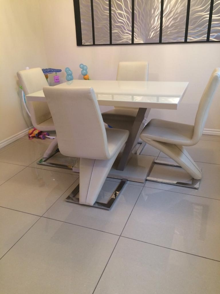 Latest Cream Gloss Dining Tables And Chairs Pertaining To Cream High Gloss Dining Table With 4 Chairs (View 4 of 25)