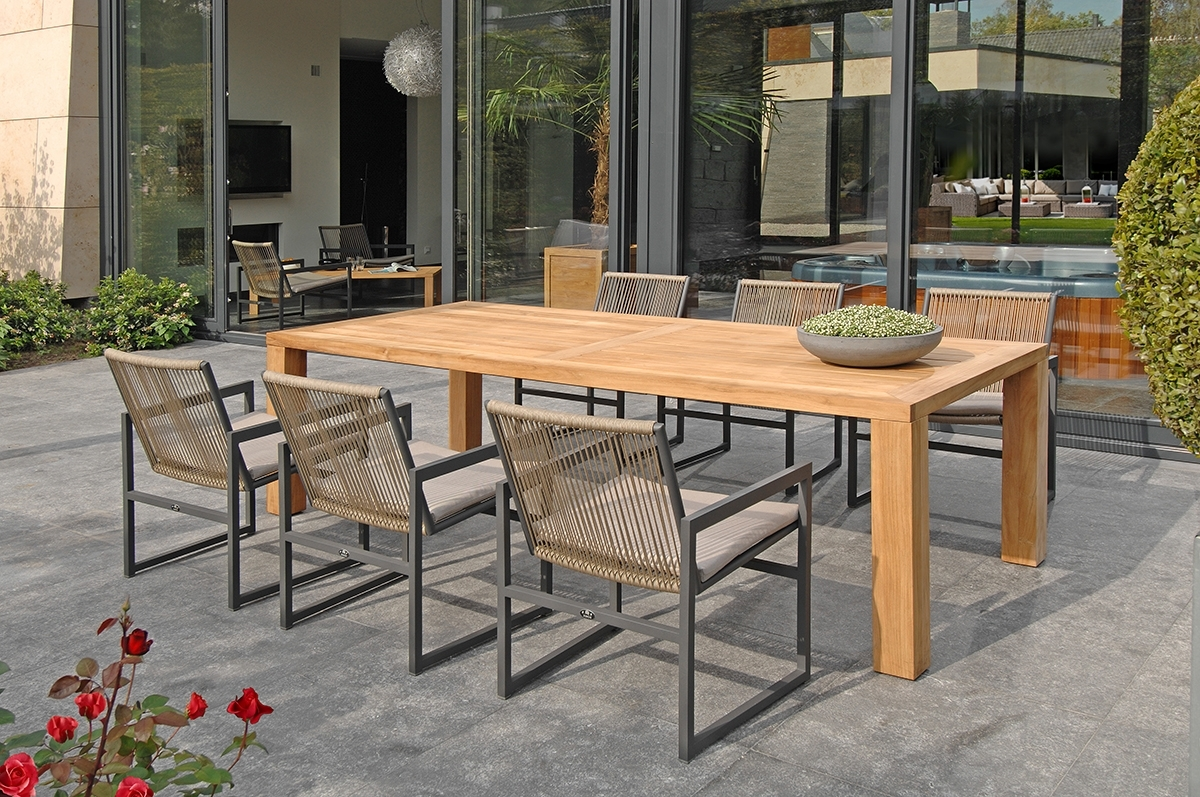 Lazio Dining Tables In Trendy Lazio Collection (View 9 of 25)