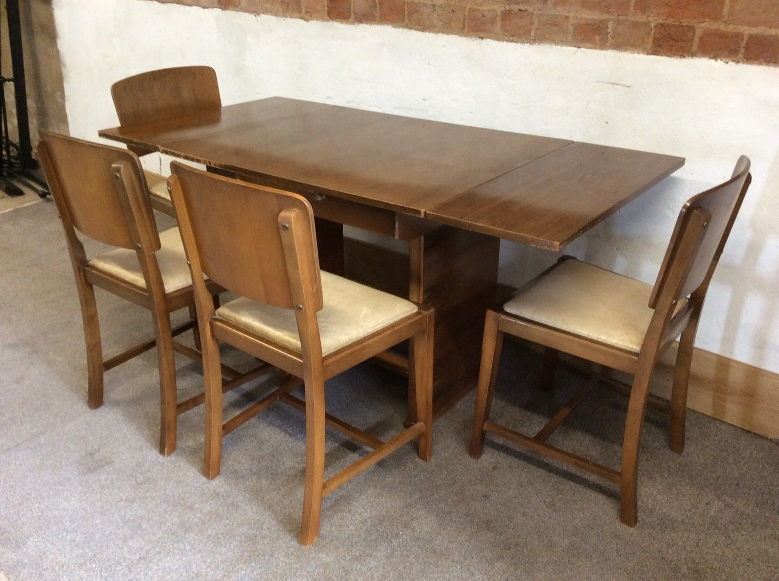 Mid Century Retro Vintage Extending Dining Table And Four Chairs Pertaining To 2017 Retro Extending Dining Tables (View 6 of 25)