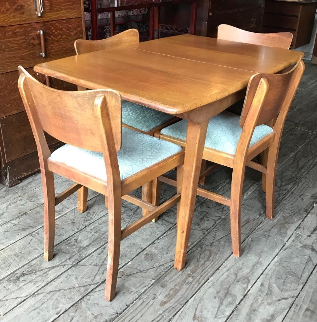 Mid Century Vintage Extending Dining Table With Four Retro Chairs With Regard To Most Current Retro Extending Dining Tables (View 7 of 25)