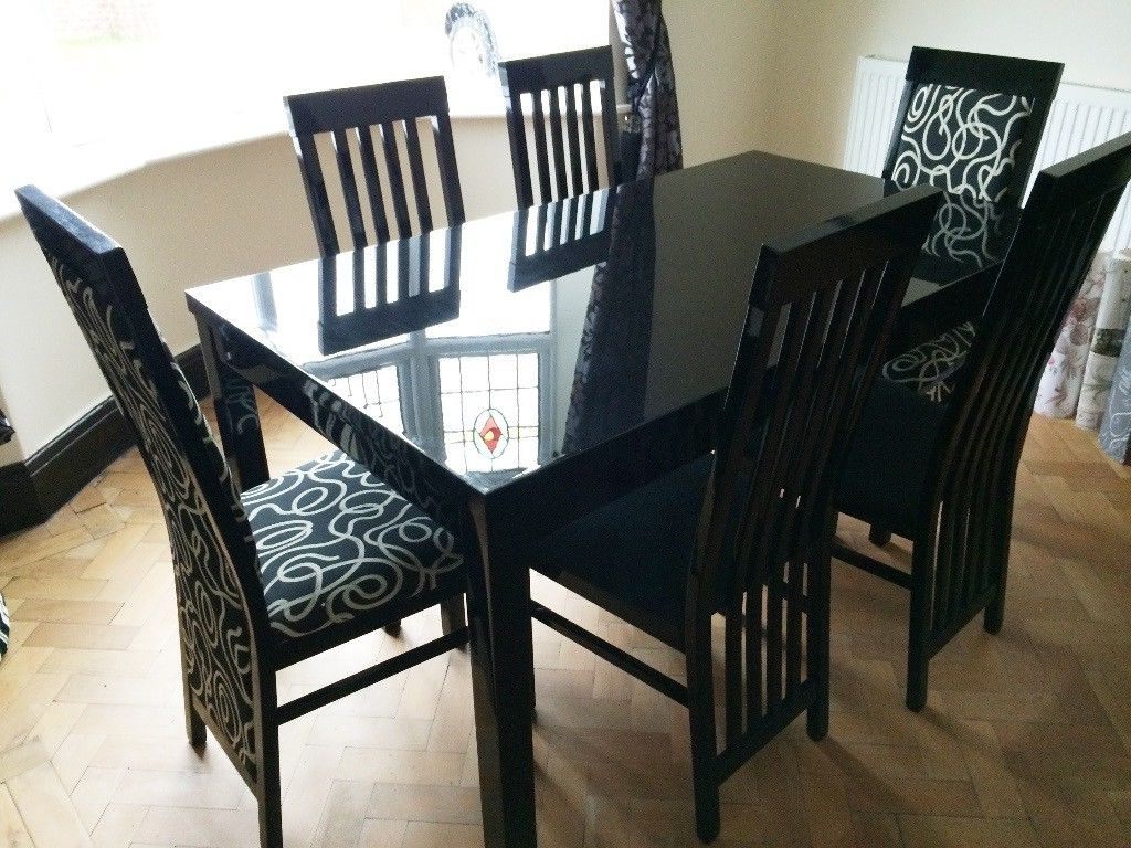 Modern Black Gloss Dining Table And 6 Chairs, Good Condition (View 15 of 25)