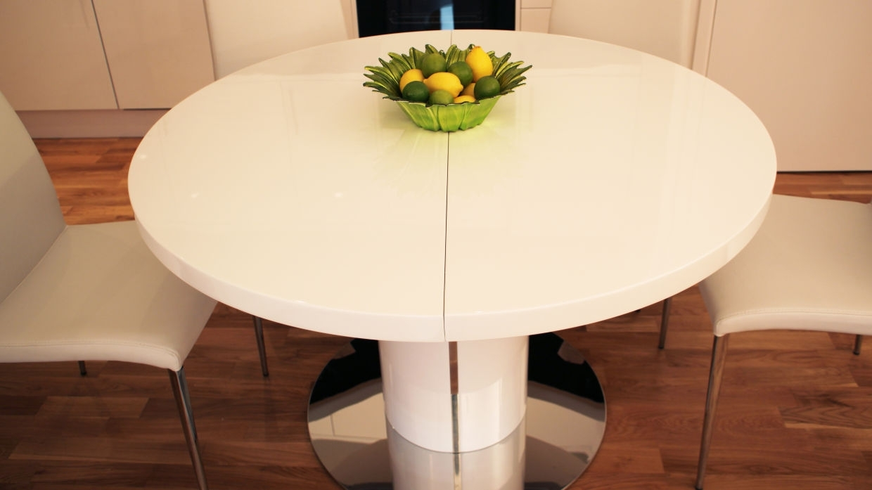 Modest Design Extendable Round Dining Table Pure White Round Intended For Well Liked White Round Extending Dining Tables (View 25 of 25)