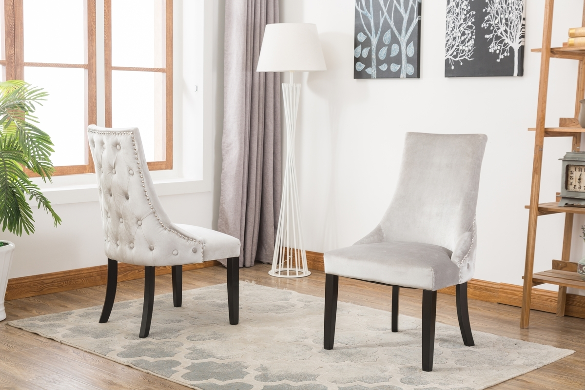 Modish Furnishing Pertaining To Button Back Dining Chairs (View 12 of 25)