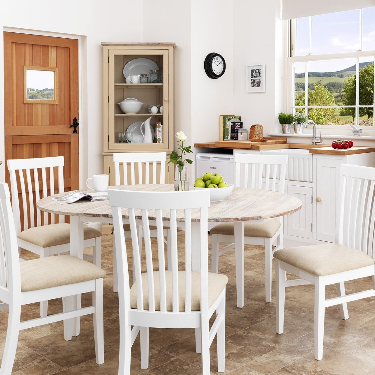 Most Current Breakwater Bay Chatham Extendable Dining Table And 6 Chairs For Extendable Dining Tables With 6 Chairs (View 19 of 25)