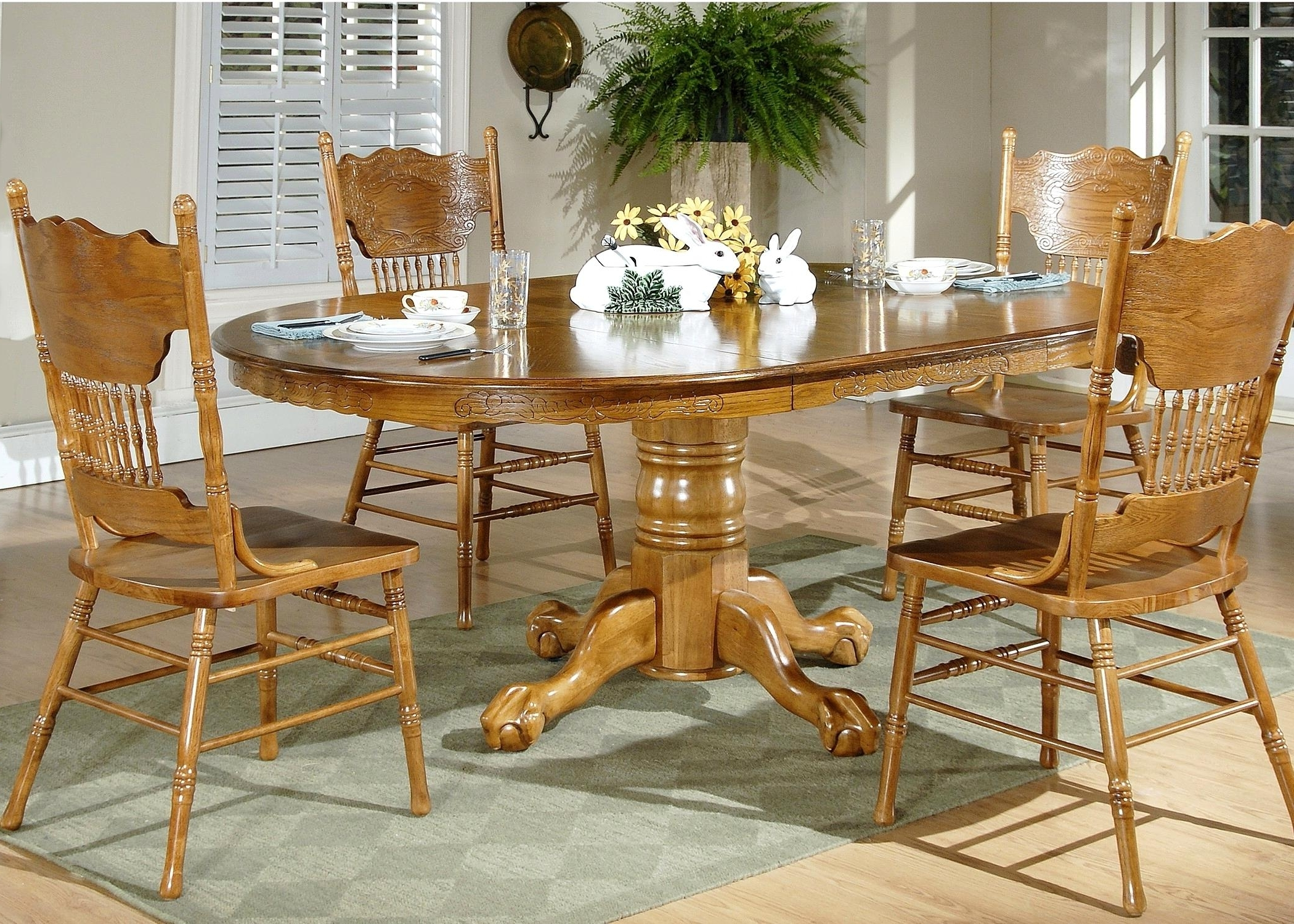 Most Current Oval Oak Dining Tables And Chairs For Extraordinary Oval Oak Dining Table Chairs N Table And Chairs Dublin (View 5 of 25)