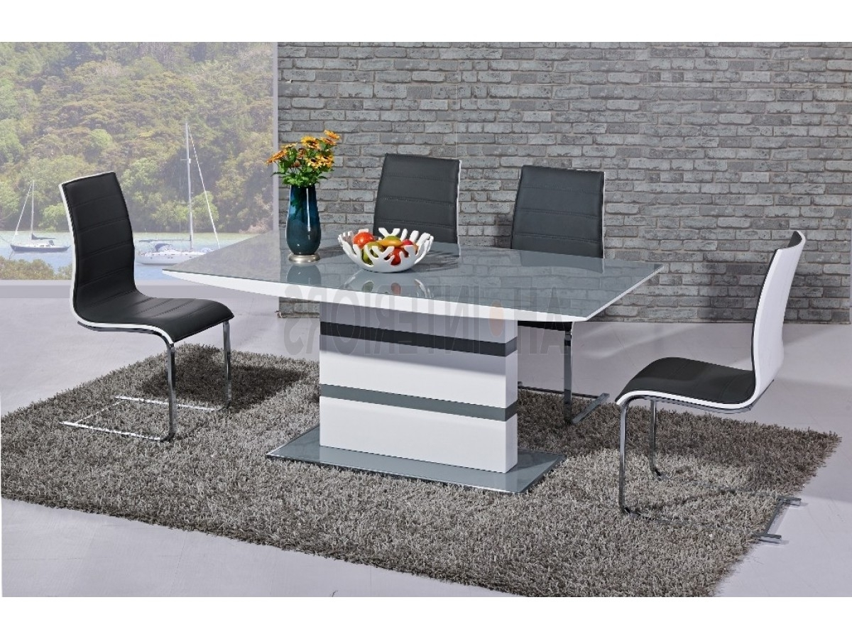 Most Popular Arctic White High Gloss Extending Black Glass Dining Table With 4 Regarding Extending White Gloss Dining Tables (View 23 of 25)