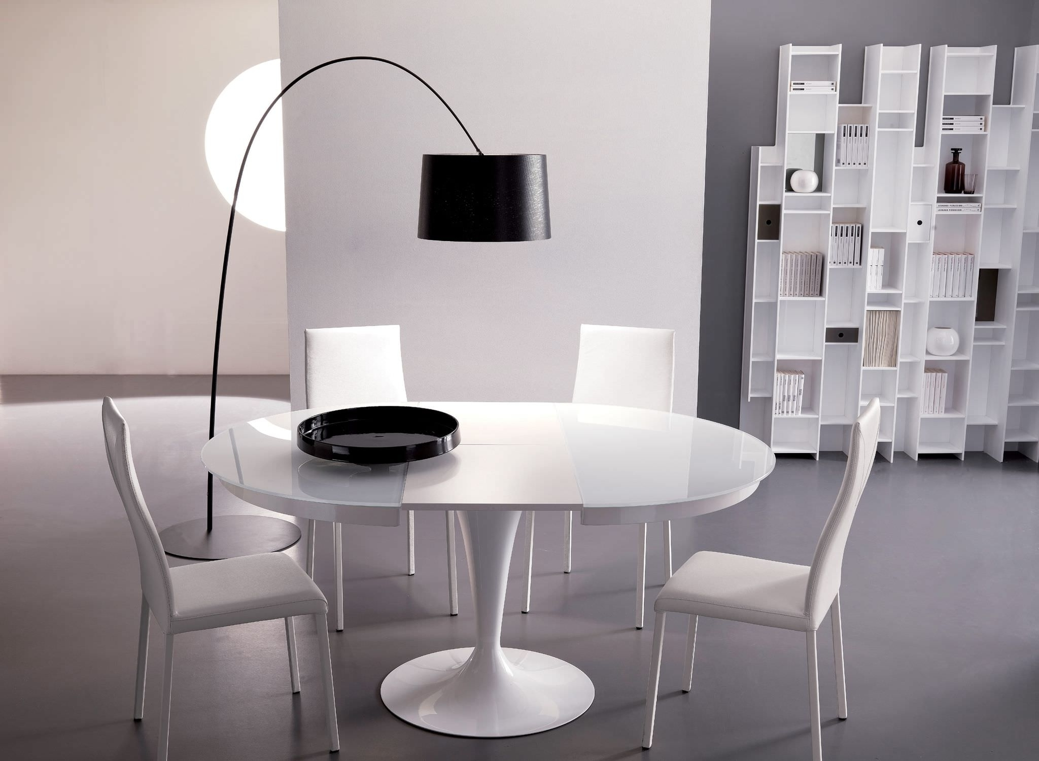 Most Popular Dining Tables: Glamorous Round Dining Table Extends To Oval Oval Regarding Round Dining Tables Extends To Oval (View 11 of 25)