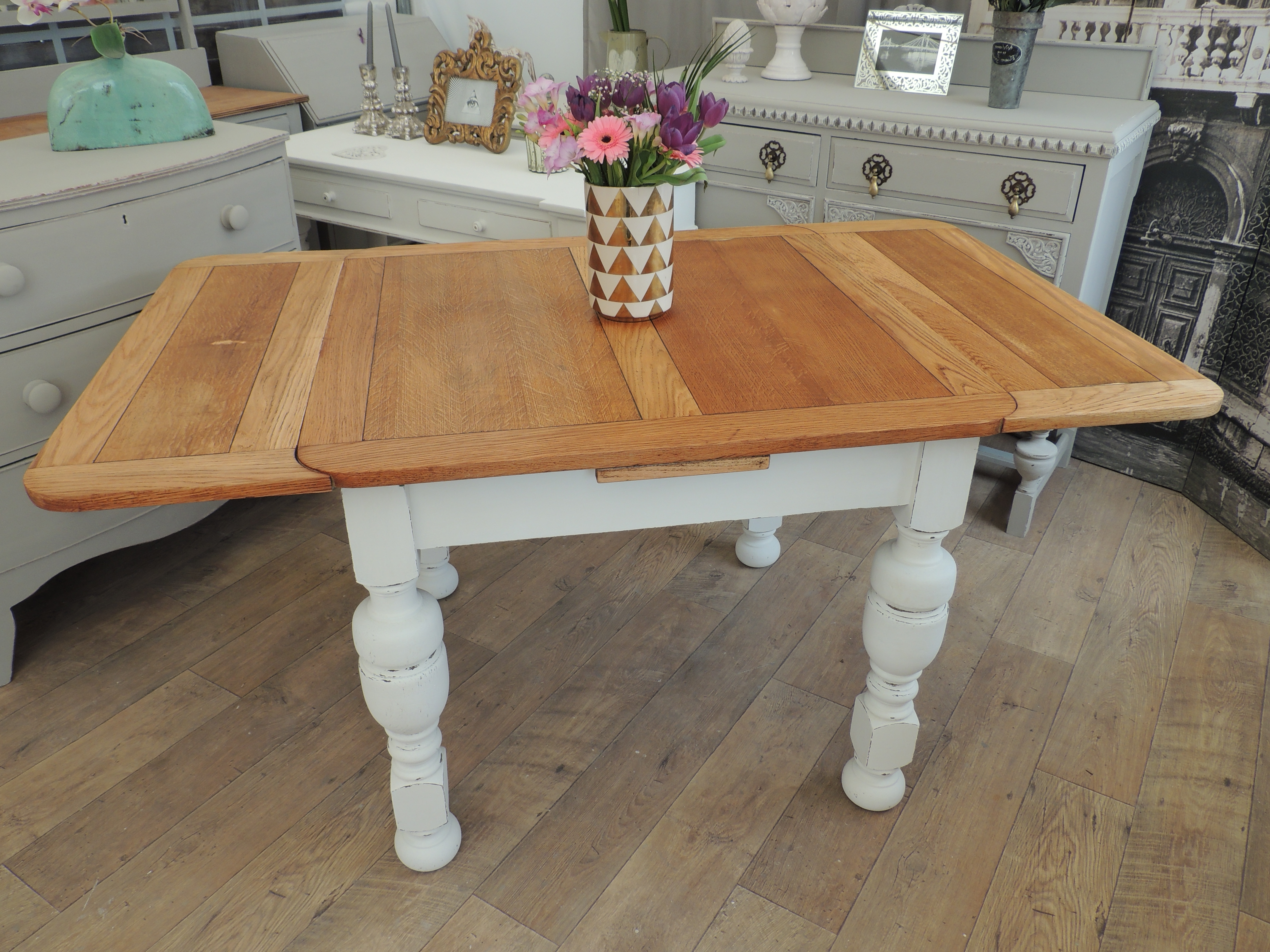 Most Popular Shabby Chic Oak Extendable Dining Table – Eclectivo London Regarding Shabby Chic Extendable Dining Tables (View 17 of 25)