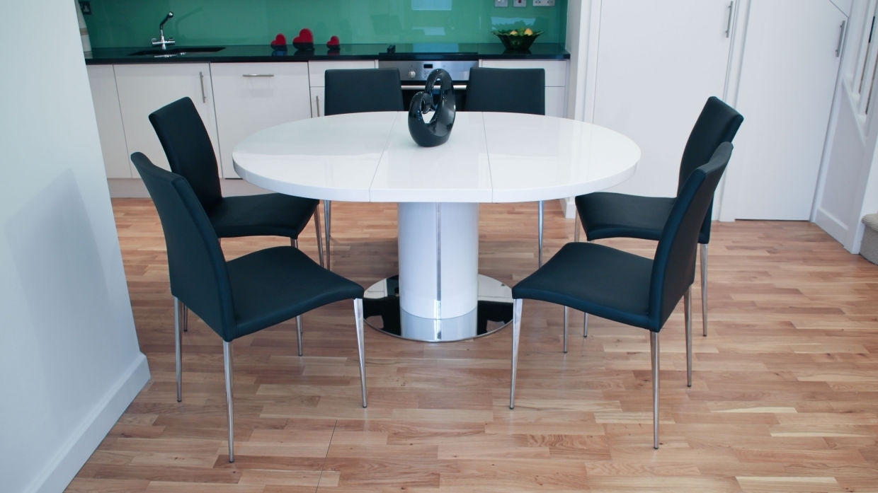 Most Popular White Gloss Round Extending Dining Tables With Why To Choose A White Gloss Extending Dining Table This Christmas (View 12 of 25)