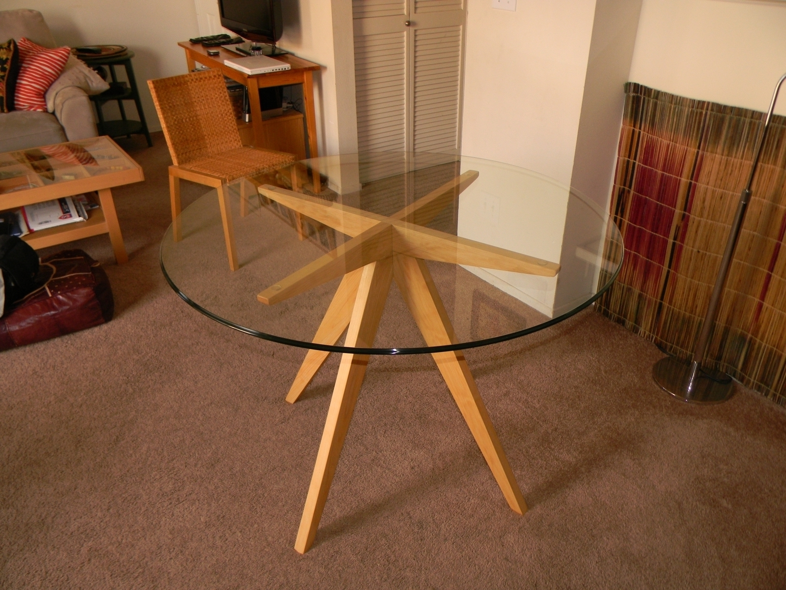 Most Recent Excellent Round Glass Dining Table With Sturdy Tapered Wooden Base With Glass Dining Tables With Wooden Legs (View 18 of 25)