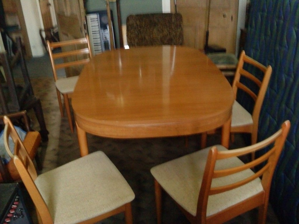 Most Recent Retro Mid Century Schreiber Extending Dining Table And 4 Chairs Throughout Retro Extending Dining Tables (View 13 of 25)