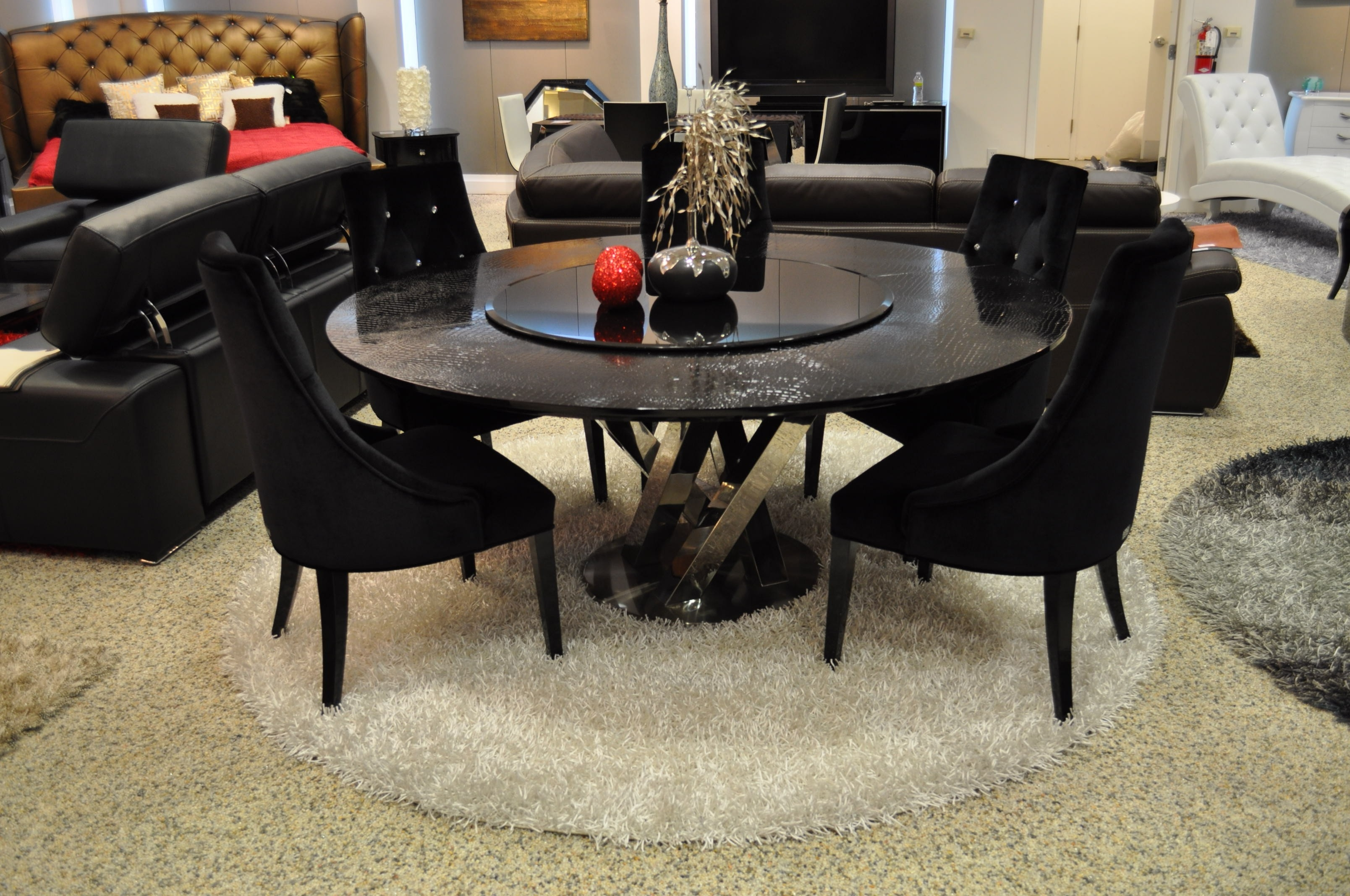 Most Recently Released 30 Eyecatching Round Dining Room Tables Design Ideas For Dining Pertaining To Black Circular Dining Tables (View 17 of 25)