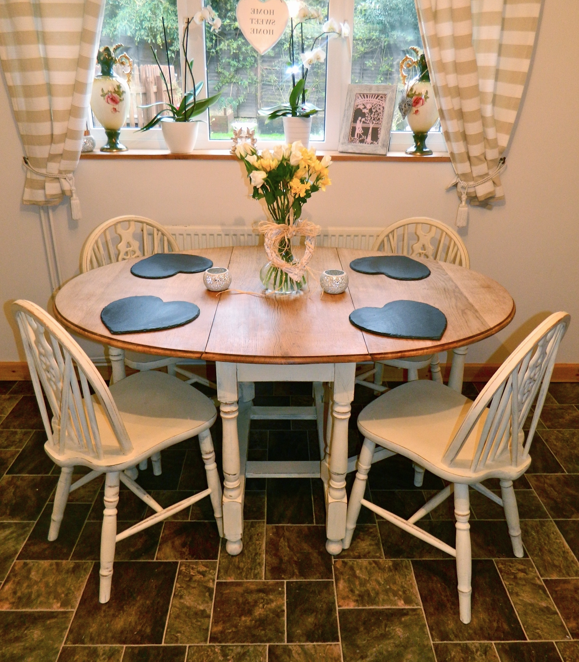Most Recently Released Beautiful Shabby Chic Oval Oak Drop Leaf Dining Table And 4 Chairs Inside Shabby Chic Dining Sets (View 20 of 25)