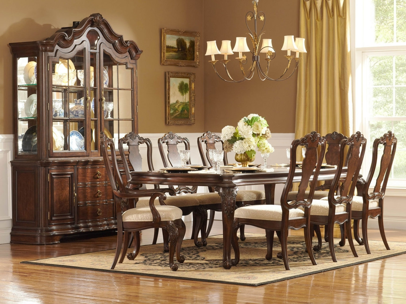 Most Recently Released Traditional Dining Room Tables (View 9 of 25)