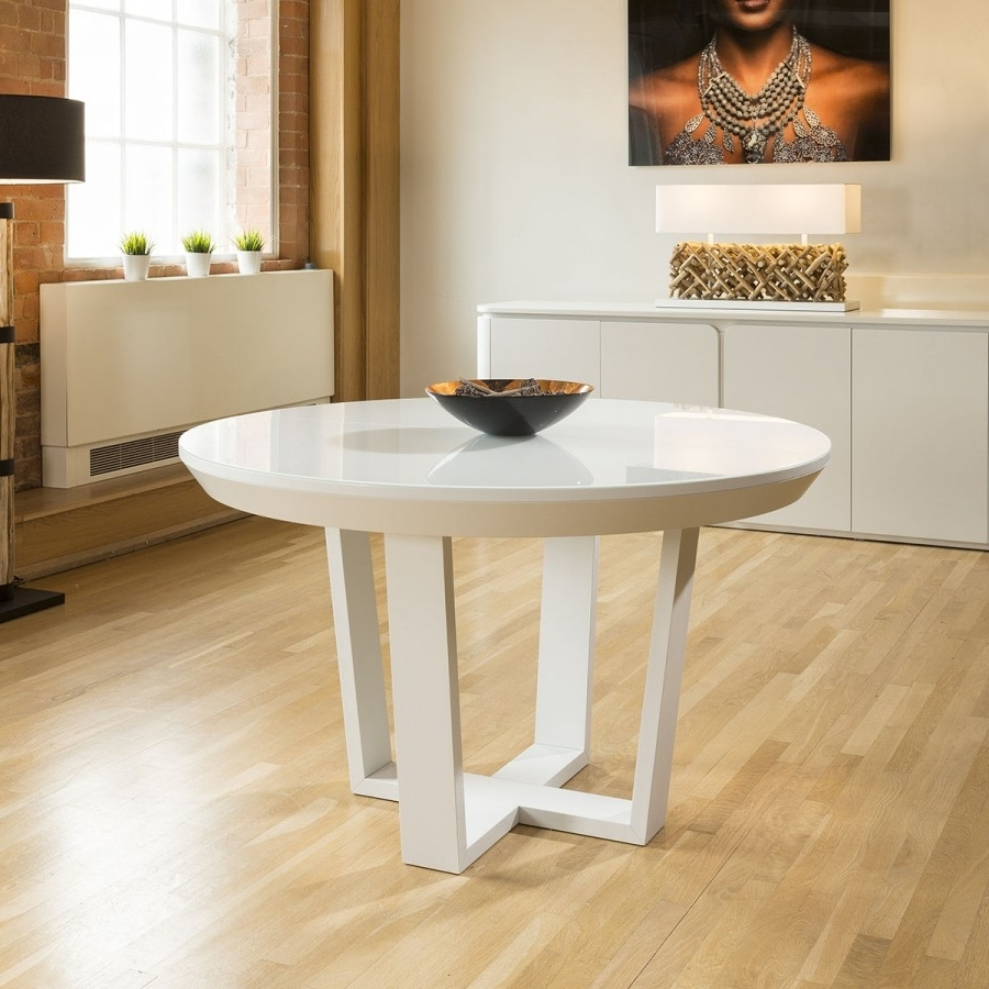 Most Recently Released White Round Extending Dining Tables Intended For Quatropi Boston Large Round Extending Dining Table White Oak Glass (View 11 of 25)