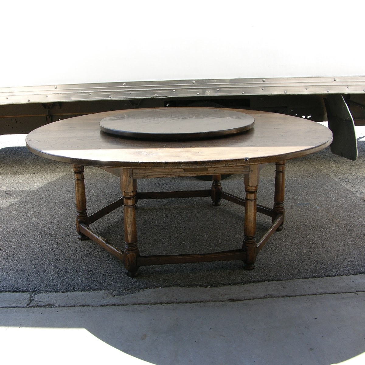 Most Up To Date Circular Oak Dining Tables Regarding Vintage Oak Circular Dining Table (View 19 of 25)