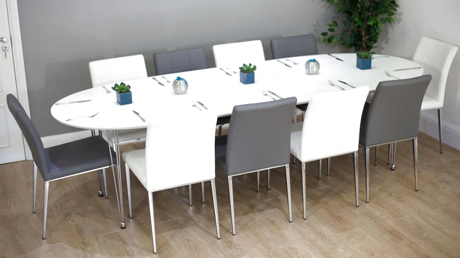 Most Up To Date Dining: Extending Dining Table Seats 10 Pertaining To Extending Dining Table With 10 Seats (View 2 of 25)