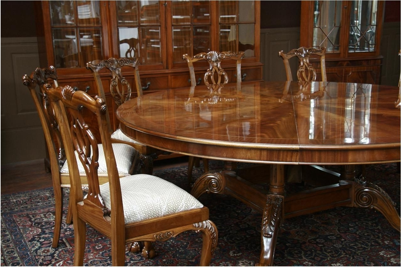 Most Up To Date Huge Round Dining Tables Throughout Excellently Large Round Dining Table Seats 8 Silo Christmas Tree (View 12 of 25)