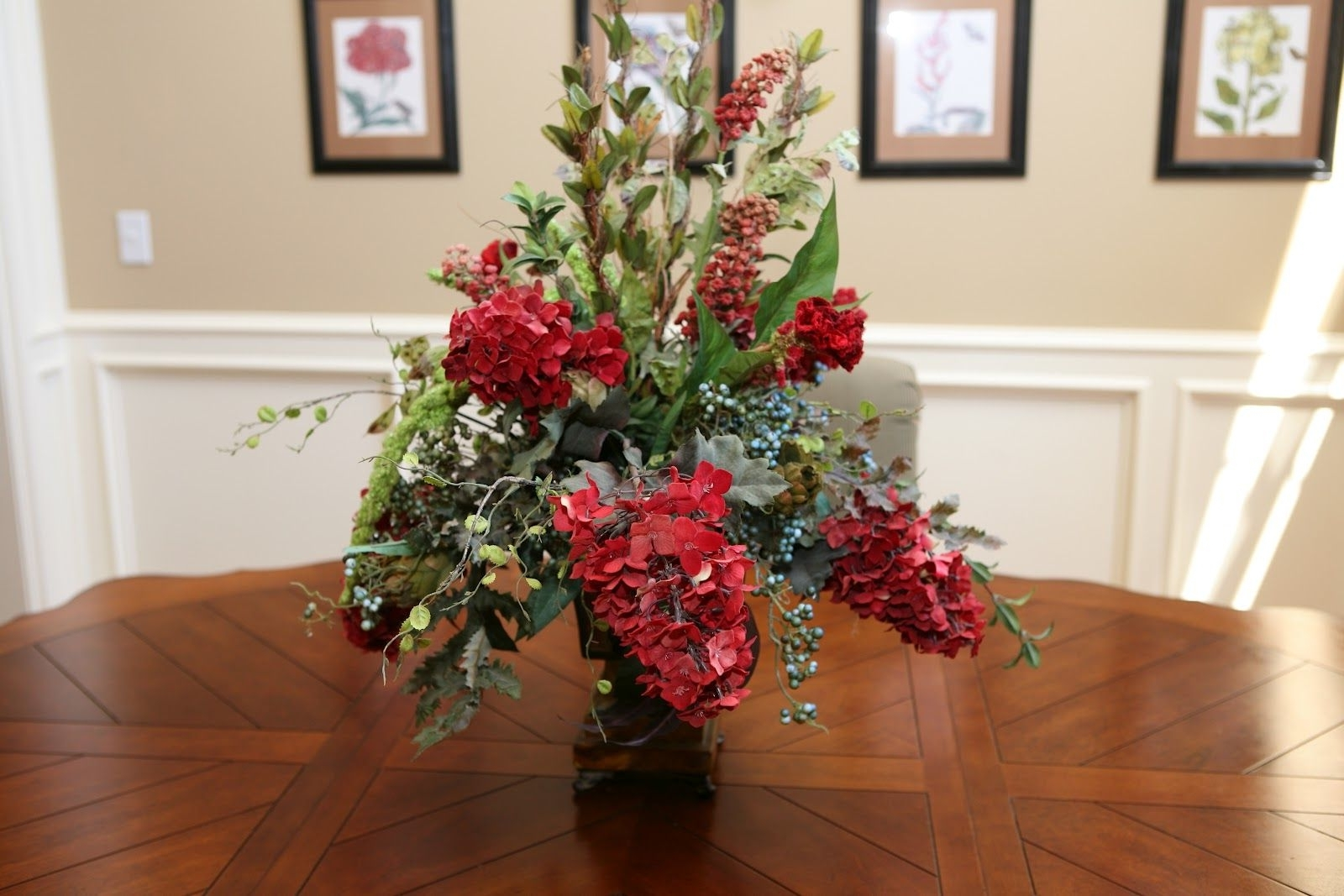 My Favorite In Trendy Artificial Floral Arrangements For Dining Tables (View 17 of 25)