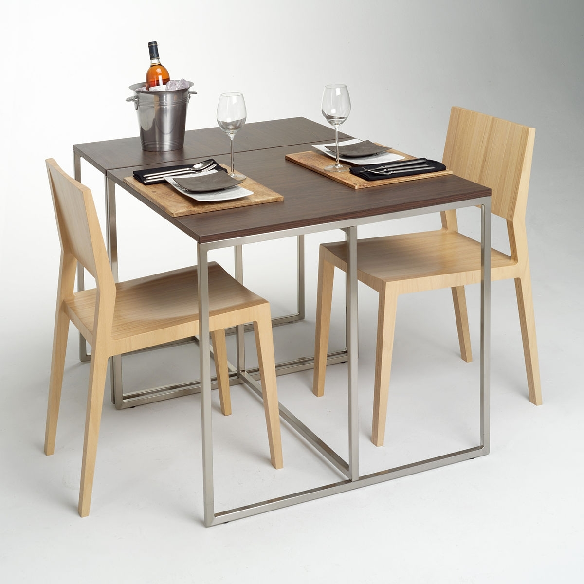 Non Wood Dining Tables Throughout Most Up To Date Furniture – Wikipedia (View 17 of 25)