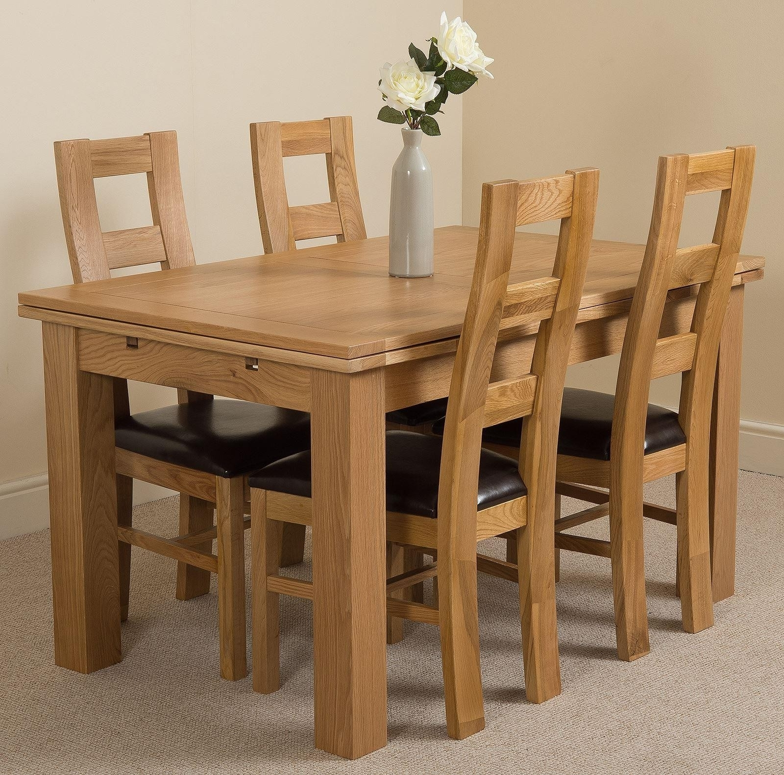 Oak Dining Tables And 4 Chairs Intended For Well Liked Richmond Medium Dining Set 4 Yale Chairs (View 12 of 25)
