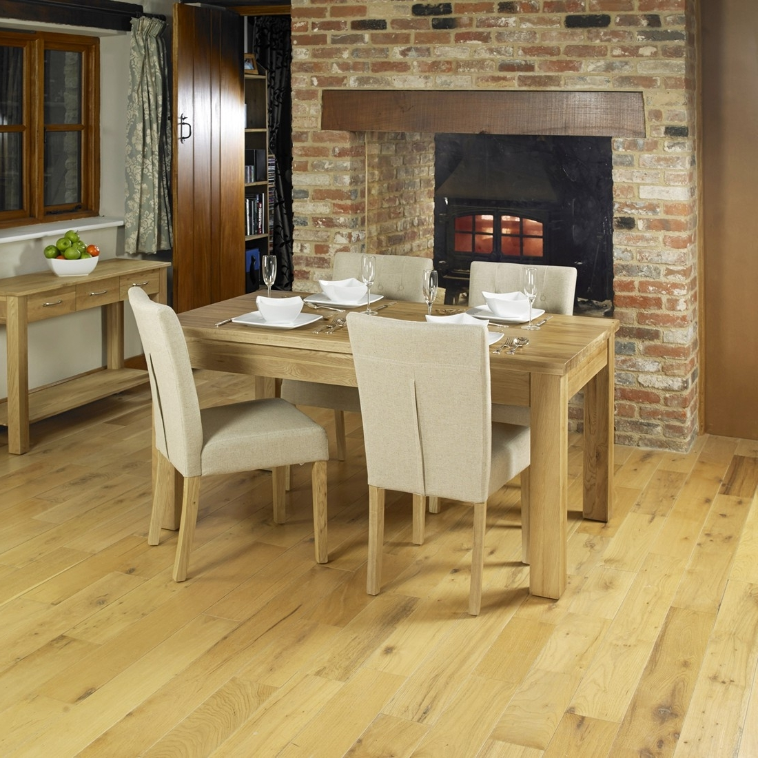 Oak Extending Dining Tables And 8 Chairs Regarding Most Up To Date Bonsoni Extending Oak Dining Table (Seats 4  (View 23 of 25)