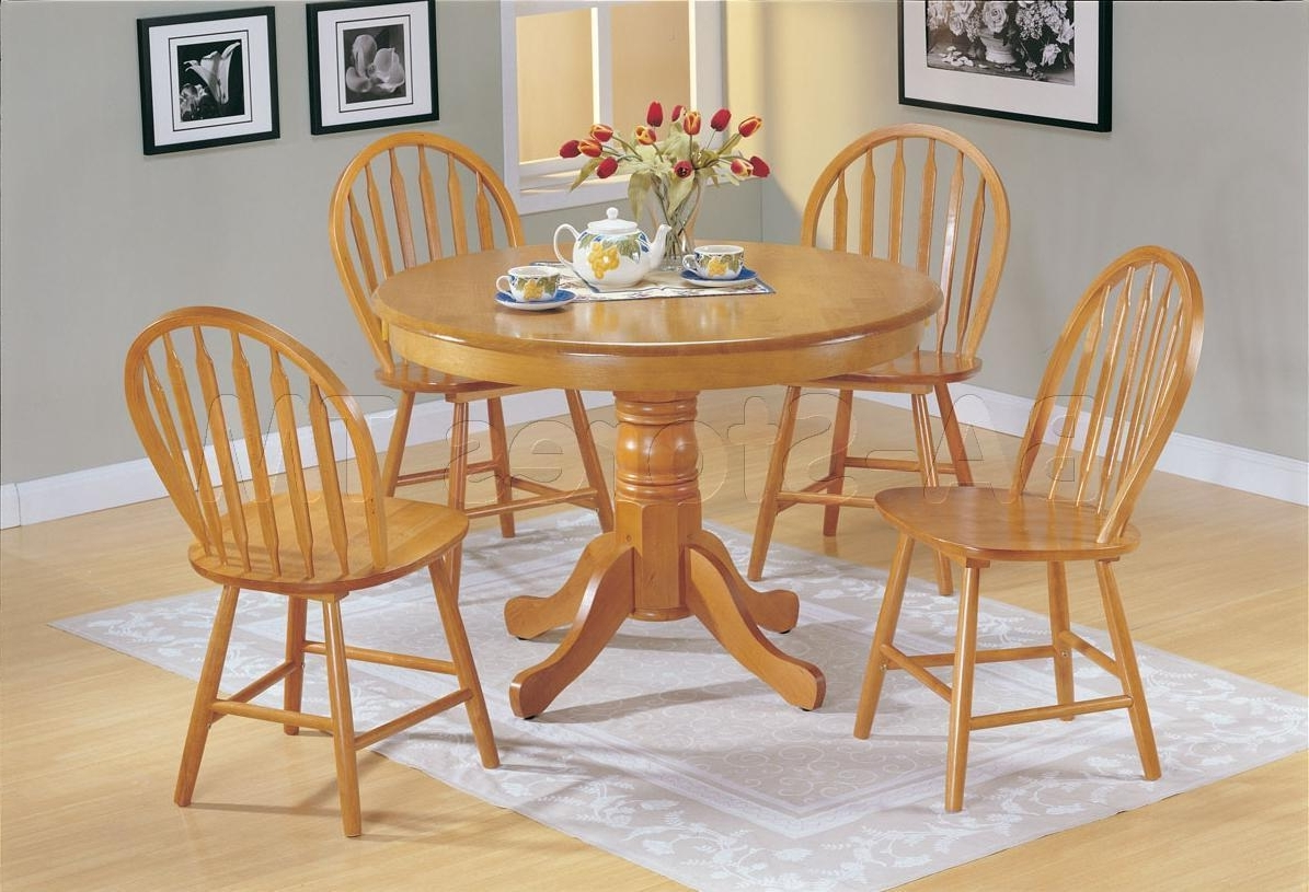 Oak Round Dining Tables And Chairs With Popular 5 Pc Farmhouse Round Dining Set In Oak Table And 4 Chairs Indoor (View 25 of 25)