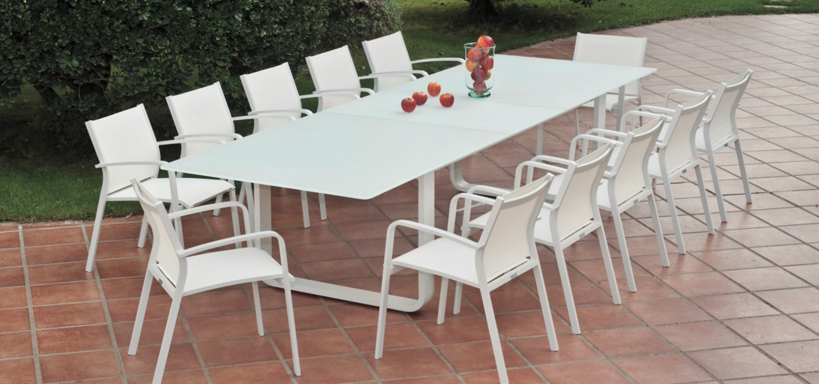 Outdoor Extendable Dining Tables Regarding 2018 Averon Transitional White Glass Extendable Dining Table (View 8 of 25)