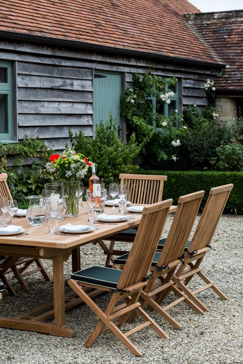 Parasol Hole In Garden Dining Tables (View 6 of 25)