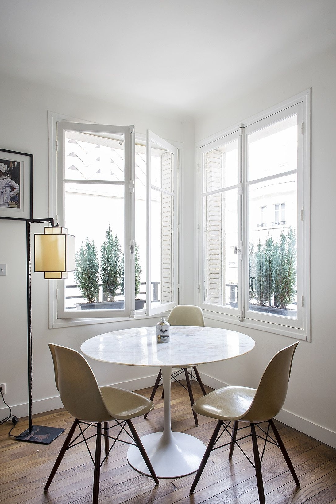 Paris Dining Tables For Most Popular 9 Small Space Ideas To Steal From A Tiny Paris Apartment (View 2 of 25)