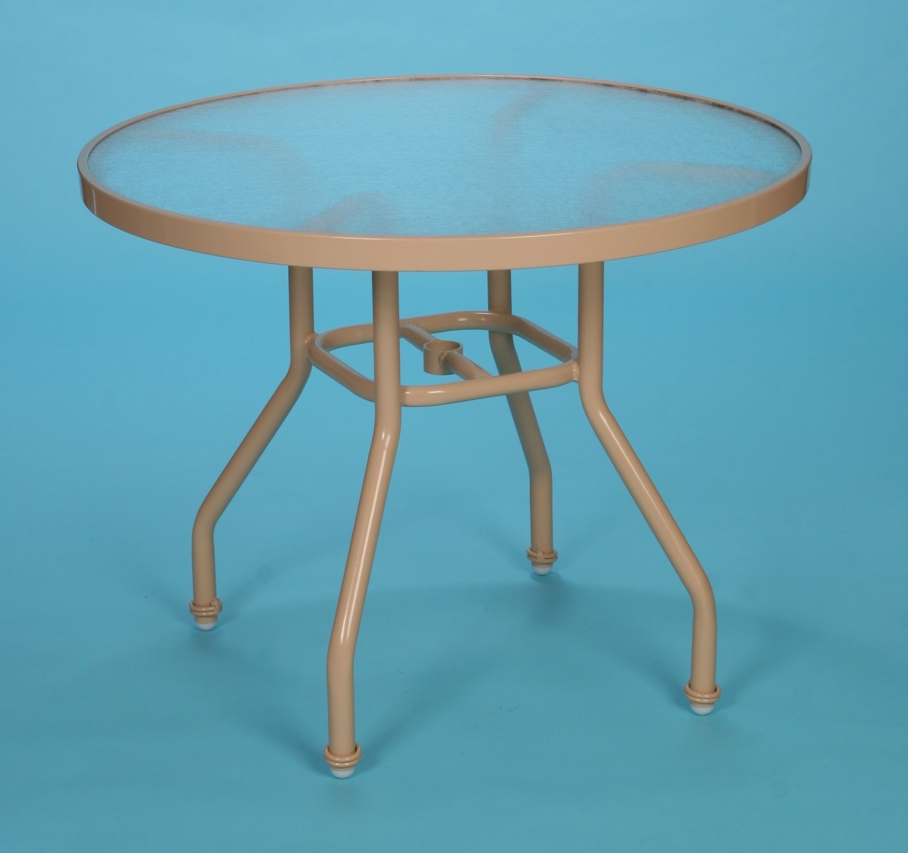Patio Furniture In Round Acrylic Dining Tables (View 14 of 25)
