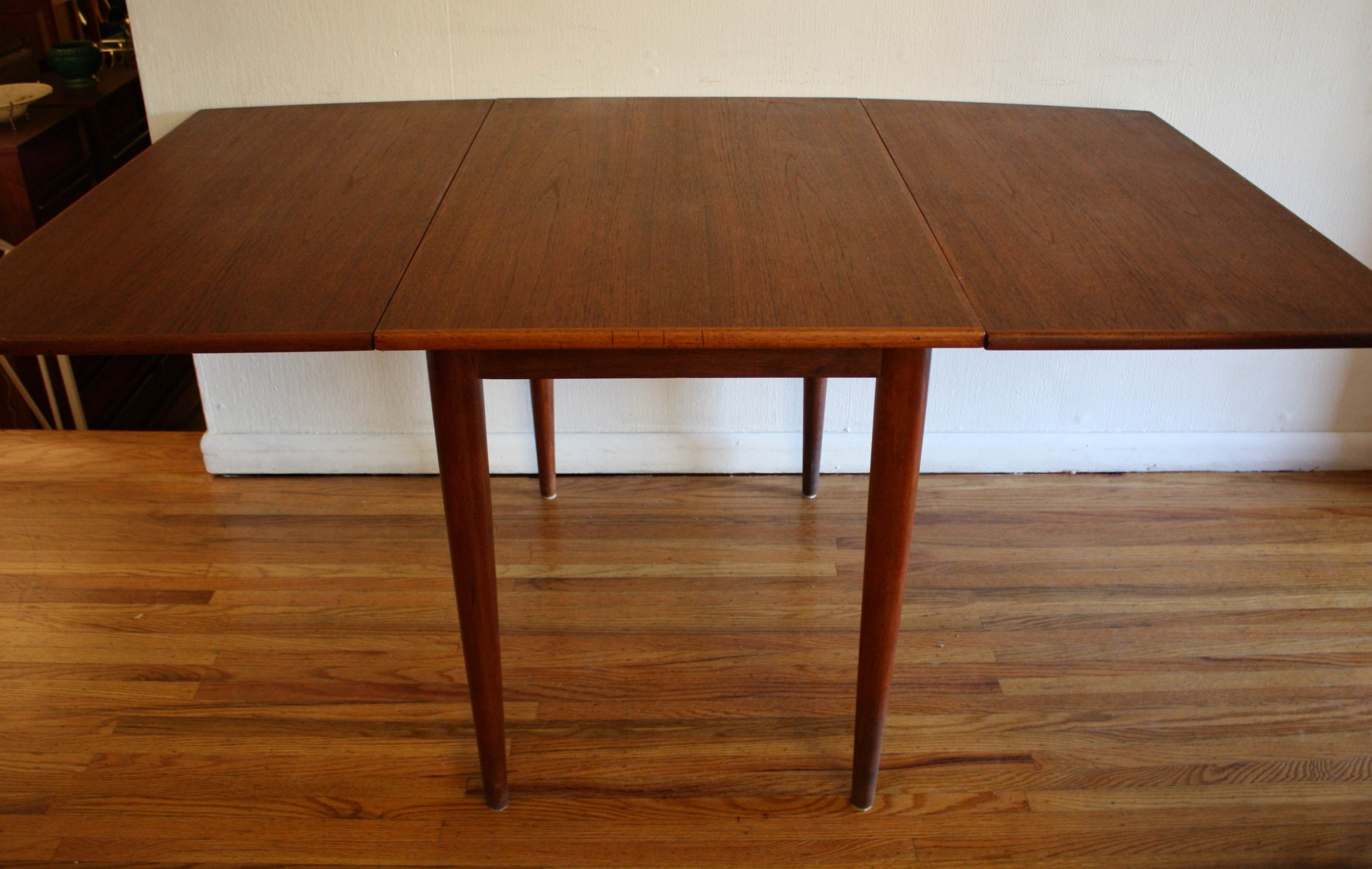 Picked Vintage Within Dining Tables With Fold Away Chairs (View 19 of 25)